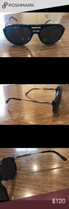 Dsquared2 aviator style Sunglasses unisex An original Dsquared2 aviator style Sunglasses unisex; black & silver; new with case DSQUARED Accessories Sunglasses