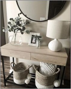 Fantastic Entryway Console Tables Design Ideas To Try Asap . Fantastic Entryway Console Tables Design Ideas To Try Asap living room decoration ideas - color, furniture and lighting Hallway Table Decor, Entryway Console Table, Entryway Decor, Bedroom Decor, Console Tables, Hallway Ideas, Console Table Styling, Console Table Living Room, Home Entrance Decor