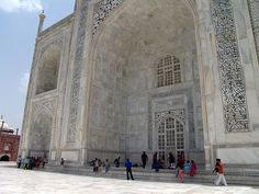 Taj Mahal View,Style that combines elements from Persian, Turkish, Indian, and Islamic architectural styles. In 1983, the Taj Mahal became a UNESCO World Heritage Site.