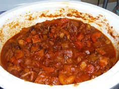 This vegetarian cholent recipe uses all kinds of root vegetables to give substance and flavor to rival any meat cholent without all the fat. Vegan Vegetarian, Vegetarian Recipes, Roast Beef Recipes, Veggie Recipes, Veggie Food, Kosher Recipes, Cooking Recipes, Kosher Food, Vegetarian