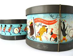 Sweet vintage tin toy drums. Great graphics!