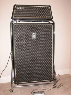 1000 images about vox amps on pinterest bass amps guitar amp and brian may. Black Bedroom Furniture Sets. Home Design Ideas