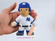 BASEBALL PLAYER felt doll magnet ornament. New York Yankees player