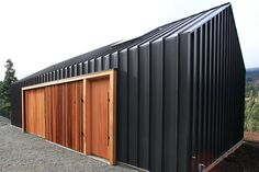 8 Vibrant ideas: Roofing Architecture Tiny Homes roofing garden city.Roofing Architecture Tiny Homes. House Cladding, Metal Cladding, Exterior Cladding, Black Cladding, Cladding Design, Architecture Durable, Architecture Design, Shed Homes, Modern Barn