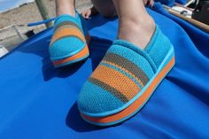 Zhenzee knit shoes with warm your heart & your toes. HIppy Stripe style. #knithappens #zhenzee Adorable platform, flatform knit shoes.