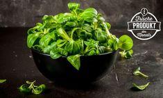 Nüsschen-, Mausohr- oder Feldsalat: Unter diesen fantasievollen Namen ist der allseits beliebte Vogerlsalat bekannt. Neben vielen Bezeichnungen besitzt er aber auch viele wichtige Inhaltsstoffe! Food Facts, Spinach, Leafy Salad, Vegetarian, Names, Fresh, Foods
