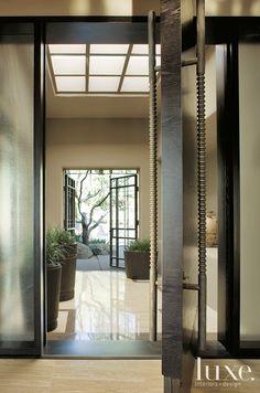 Art De Vivre by Francine Gardner: Fabulous entryway, from Luxe magazine
