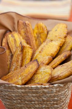 Salted Plantain Chips - i used ripe plantains, and fried in mostly canola oil with a little coconut oil mixed in. I Love Food, Good Food, Yummy Food, Plantain Recipes, Fried Plantain Recipe, Comida Boricua, Healthy Snacks, Healthy Recipes, Comida Latina