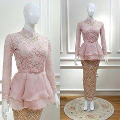New Dress Brokat Hijab Remaja Ideas Kebaya Modern Hijab, Dress Brokat Modern, Model Kebaya Modern, Kebaya Hijab, Kebaya Muslim, Muslim Dress, Kebaya Peplum, Kebaya Lace, Batik Kebaya