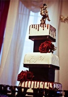 This one's more elegant, though I still think I'd be changing the topper.