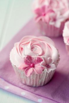 Rose Cupcakes Royalty Free Stock Photo, Pictures, Images And Stock Photography. Image 12550152.