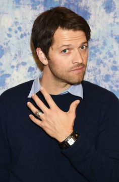 7 Excellent Pictures Of Misha Collins At The Hollywood Collectors Convention
