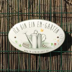 EM Verein in Österreich. Gestaltung eines Hinweisschildes. Dieser Garten wird nur Biologisch bearbeitet. #lassnig Bio Garden, Clock, Wall, Instagram Posts, Decor, Directional Signs, Garten, Watch, Decoration