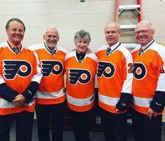 Retired numbers: Bill Barber Bernie Parent Donna Ashbee (widow of Barry Ashbee), Mark Howe and Bobby Clarke Flyers Players, Flyers Hockey, Hockey Games, Ice Hockey, Bill Barber, Bernie Parent, Hockey Hall Of Fame, Philadelphia Sports, Wayne Gretzky