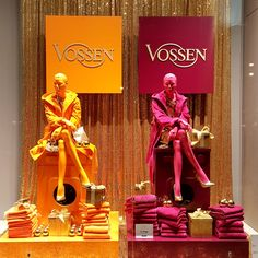 Vossen Weihnachtsschaufenster bei Karstadt in Hamburg! #vossentowels #towels #bathrobes #windows #adolfocarrarastudiodesign #christmas #gold #colours #paillettes #washingmachines #fun #design #fashion #chic #shopping #gift #karstadt #hamburg