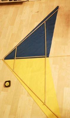 Fabric Stunt Kite From Scratch. With No Sewing! : 7 Steps (with Pictures) - Instructables Fun Crafts For Kids, Projects For Kids, Stem Projects, Wood Projects, Kites Craft, Kites Diy, Kids Kites, Kite Building, Stunt Kite