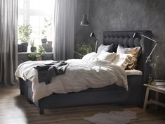 perfect combination: grey headboard and walls, white curtains and bedding! Ikea Bedroom, Bedroom Inspo, Decor Room, Bedroom Decor, Home Decor, Room Interior, Interior Design, Furniture Decor, Grey Headboard