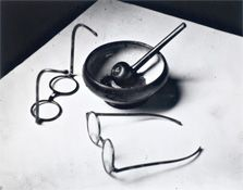 Andre Kertesz, Mondrian's Glasses and Pipe, Paris, 1926 Andre Kertesz, Sabine Weiss, Still Life Photography, Street Photography, Art Photography, Advanced Photography, Shadow Photography, Artistic Photography, Vintage Photography