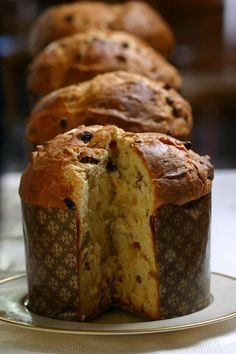Pan dulce panettone (Muy Facil y Rico) Authentic Mexican Recipes, Mexican Food Recipes, Sweet Recipes, Real Food Recipes, Simple Sweet Bread Recipe, Panettone Bread, Christmas Bread, Italian Christmas, Easy Bread Recipes