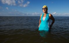 27,886. That's how many days Lis Heckmann lived on this Earth prior to the 2015 Ironman World Championship in Kona, Hawaii. The 76-year-old retiree from Lehigh Acres, Florida, was the oldest competitor tackling the 2.4-mile swim, 112-mile bike, and 26.2-mile run this year. Here's what we learned from six-time Ironman, who BTW, has also tackled 20 half Ironman races (70.3 miles), 100 Olympic and sprint triathlons, 12 marathons, 20 half-marathons, and countless 5K and 10K races. [Editor's…
