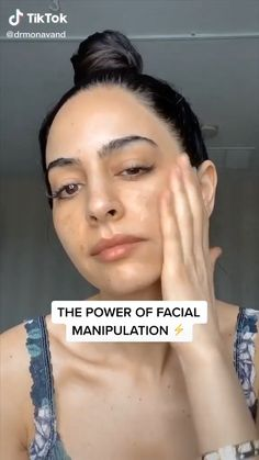 simple skin care hacks for flawless skin,by using cleanser,toner,etc Skin Tips, Skin Care Tips, Anti Ride, Face Yoga, Face Massage, Healthy Skin Care, Face Skin Care, Homemade Skin Care, Facial Care