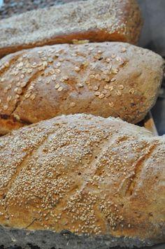 Verdens bedste franskbrød med rugmel Norwegian Food, Norwegian Recipes, Danish Food, Vegan Bread, Bread Bun, Bread And Pastries, Health Breakfast, Bread Baking, Yummy Cakes