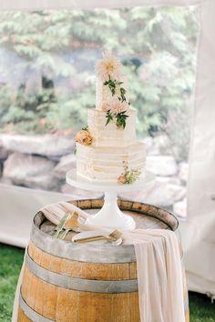 A Dreamy Peach and Blush Summer Wedding in The Okanagan Valley Pretty Wedding Cakes, Unique Wedding Cakes, Young Wedding, Bridal Boutique, Summer Wedding, Real Weddings, Wedding Planner, Cake Decorating, Blush