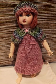 http://www.ebay.fr/itm/New-Knitted-Dress-Cloak-and-Hat-to-fit-9-11-Bleuette-Doll-DOLL-NOT-INCLUDED-/191230293186?pt=UK_Doll_Bears_Dolls_EH
