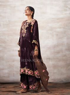Border Embroidery, Party Suits, Punjabi Suits, Anarkali, Pink Roses, Sari, Classy, Velvet, Indian
