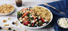 Kjøp Sommersalat med quinoa og resten av ukeshandelen med ett klikk! Denne salaten er ikke bare sunn og vakker å se på, den smaker også fantastisk godt.