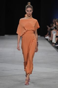 Marcos_Luengo in 2020 Looks Chic, Looks Style, Couture Fashion, Runway Fashion, Womens Fashion, Look Fashion, Fashion Show, Fashion Design, Evening Dresses