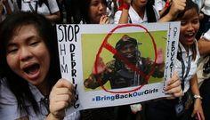 Seribu murid di sebuah sekolah perempuan di Manila, Filipina, 27 Juni 2014, berdemonstrasi menuntut pembebasan 200 pelajar perempuan yang diculik militan Boko Haram di Nigeria.