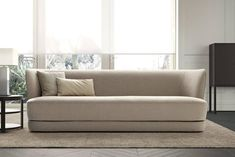 love that sofa and that single solar shade. imagine the rest of the room. -gsr Sofas - Collection - Casamilano Home Collection - Italy Sofa Bench, Lounge Sofa, Chaise Sofa, Sofa Chair, Sofa Set, Led Furniture, Modern Furniture, Furniture Design, Furniture Storage