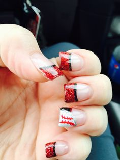 I need to do this but with green and gold instead of red and blue i need to do this but with green and gold instead of red and blue nails pinterest football nails makeup and nail nail prinsesfo Gallery
