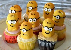 Minion Cupcake Topper Tutorial, made out of Twinkies, rockets & black icing.