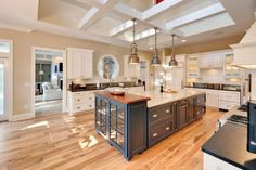 Wondrous Cool Tips: Kitchen Remodel Layout Beams small kitchen remodel bungalow.Kitchen Remodel Cherry Spaces kitchen remodel before and after mason jars.Kitchen Remodel Tips Fixer Upper. Industrial Kitchen Island, Home Kitchens, Traditional Kitchen, Kitchen Design, Kitchen Remodel, Kitchen Dining Room, Hickory Flooring, Floor Design, Country Kitchen