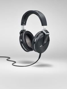 Statement of Sound & Design  PERFORMANCE 840  http://www.ultrasone-headphones.com/en/shop