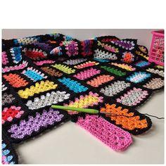 marretjeroos neon crochet granny rectangles