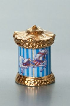 Gallery.ru / Фото #8 - The Franklin Mint Carousel Magic Thimble Collection 24K - Joniks