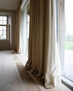 Love for Belgian Linen - Belgian Pearls Fabric Blinds, Linen Curtains, Curtains With Blinds, Drapery, Renovation Parquet, Interior Styling, Interior Design, Custom Drapes, Curtain Designs