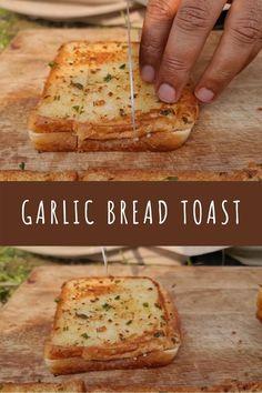 Garlic Bread With Cheese, Healthy Garlic Bread, Garlic Toast Recipe, Garlic Bread At Home, Best Garlic Bread Recipe, Cheese Toast Recipe, Homemade Garlic Bread, Cooking Recipes, Food Recipes Snacks