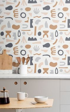 Naive Shapes is a graphic wallpaper collection from MuralsWallpaper that celebrates 150 years since the birth of Henri Matisse. Unusual Wallpaper, Normal Wallpaper, Standard Wallpaper, How To Hang Wallpaper, Graphic Wallpaper, Of Wallpaper, Pattern Wallpaper, Modern Wallpaper, Kitchen Wall Design