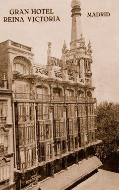 Paseo de la Castellana en la década de 1930   Calle Alcalá, Círculo de Bellas Artes y Ministerio de Educación en 1933   Gran Vía en 1932. A ...