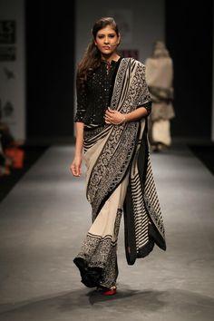 India Fashion, Ethnic Fashion, Asian Fashion, Indian Attire, Indian Ethnic Wear, Indian Dresses, Indian Outfits, Black And White Saree, Black White