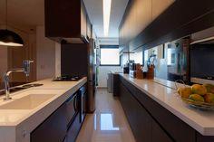 70m² aproveitados ao máximo. Veja: https://casadevalentina.com.br/projetos/detalhes/70m-aproveitados-ao-maximo-536 #details #interior #design #decoracao #detalhes #decor #home #casa #design #idea #ideia #small #pequeno #casadevalentina #kitchen #cozinha