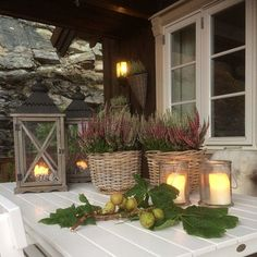 great ideas for decorating the porch in the fall - Dekoration Herbst - Porch Decorating, Interior Decorating, Estilo Interior, Candle Maker, Deco Floral, Outdoor Living, Outdoor Decor, Autumn Home, Winter Garden