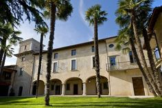 L'Unicorno, a Country house, Palace property, located in Lombardy, Italy Countryside Hotel, Country Retreats, Lake Garda, Palace Hotel, Villa, Italy, Mansions, House Styles, Places