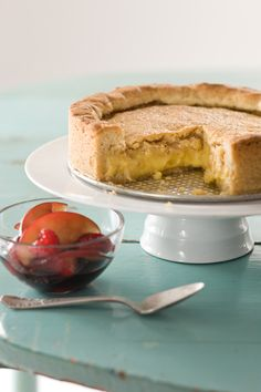 Filled with creamy custard, this dense cake might remind you more of a very thick and decadent tart, with buttery crunchiness around the edges. // Gateau Basque Recipe Gateau Basque Recipe, Custard Filling, Custard Pies, Basque Cake, Delicious Desserts, Dessert Recipes, Berry Sauce, Eat Cake, Sweet Recipes