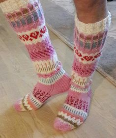 Boot Toppers, Knit Boots, Chrochet, Knitting Socks, Leg Warmers, Something To Do, Girl Outfits, Slippers, Pattern
