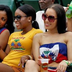 Haitian women reppin' the flag. Cuba, Jamaica Outfits, Labadee Haiti, Haiti Flag, Haitian Creole, Haitian Art, Caribbean Culture, Celebrity Travel, Celebrity Cruises